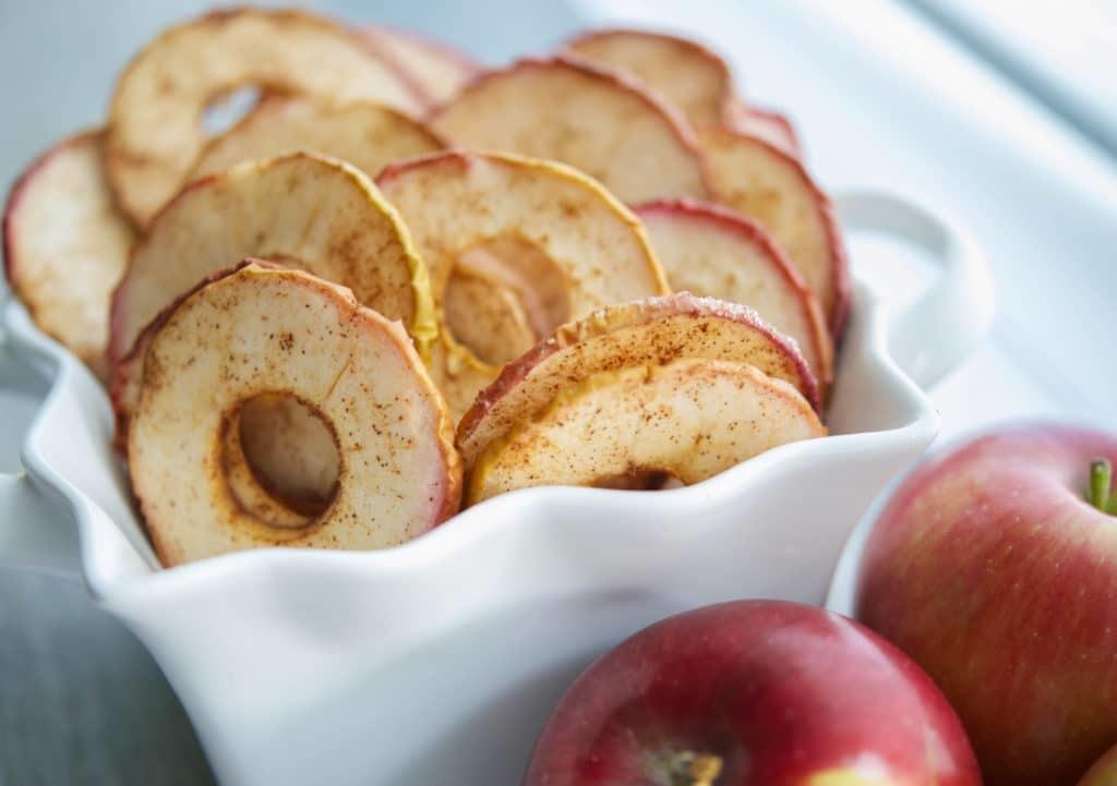 Cinnamon-Apple-Chips-Closeup-1024x721.jpg
