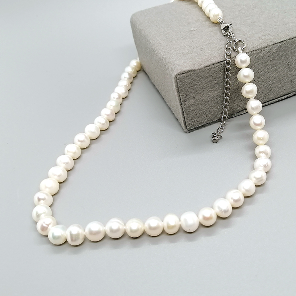 Pearl Necklace 6.5 - 02.jpg
