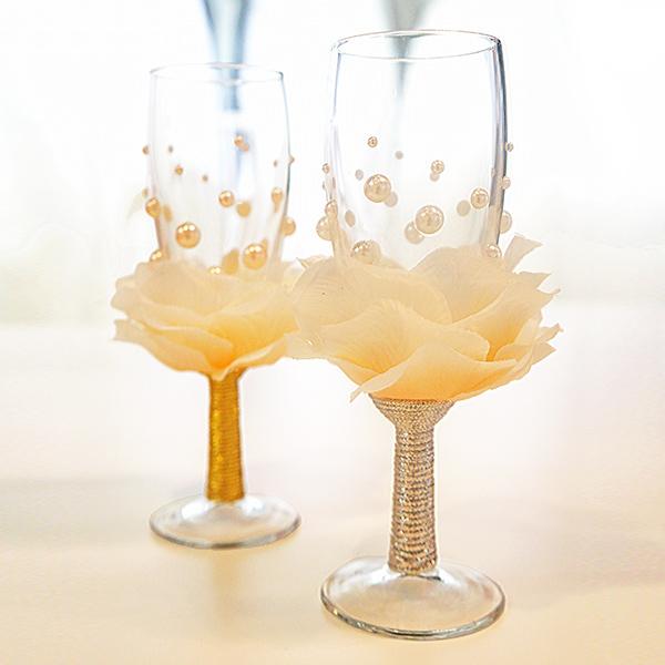 wedding-glass-roses-pearl.jpg