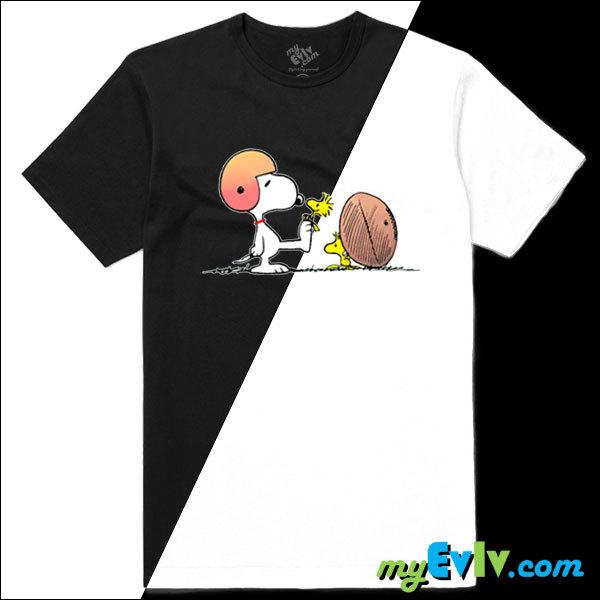 SP009-SnoopyFootball-BW-Shirt.jpg