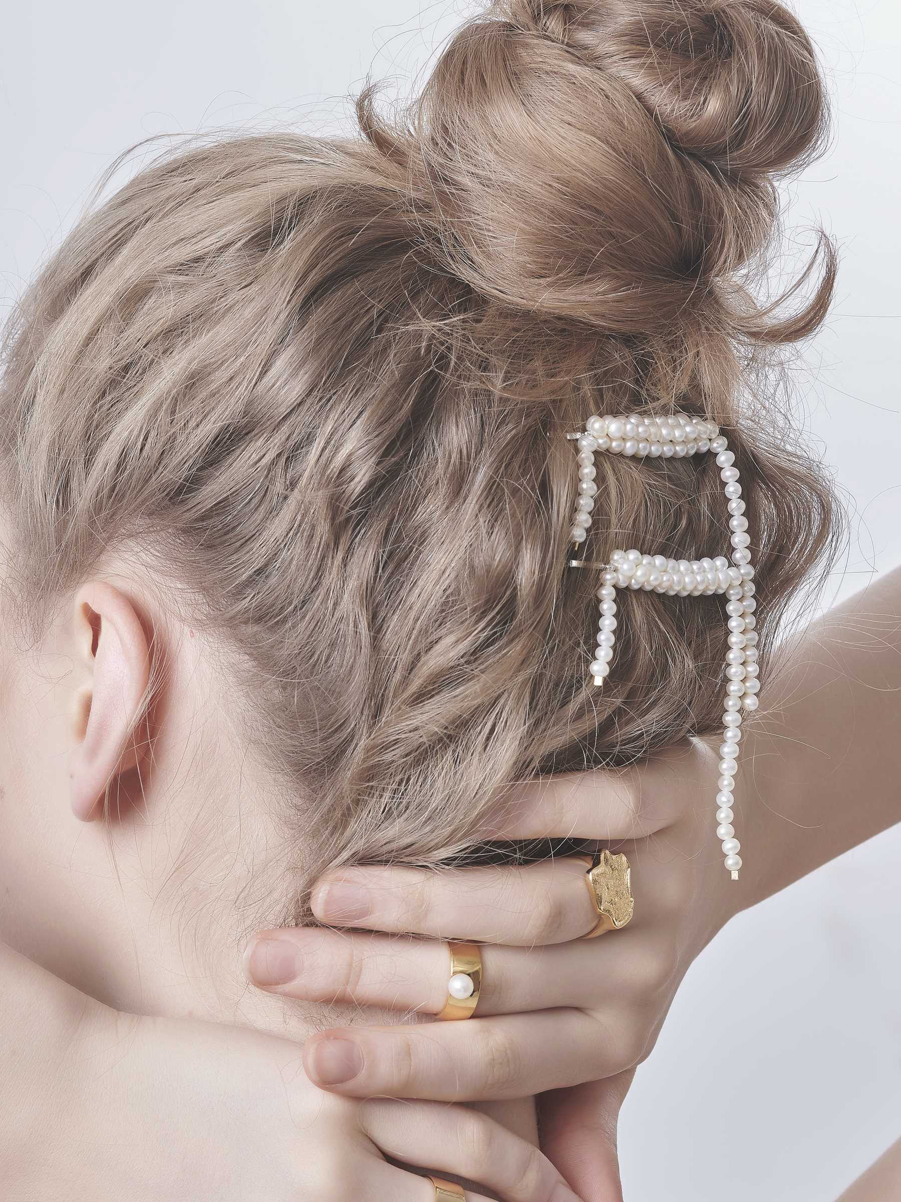 Pearl Drop Hair Clip_02.jpg