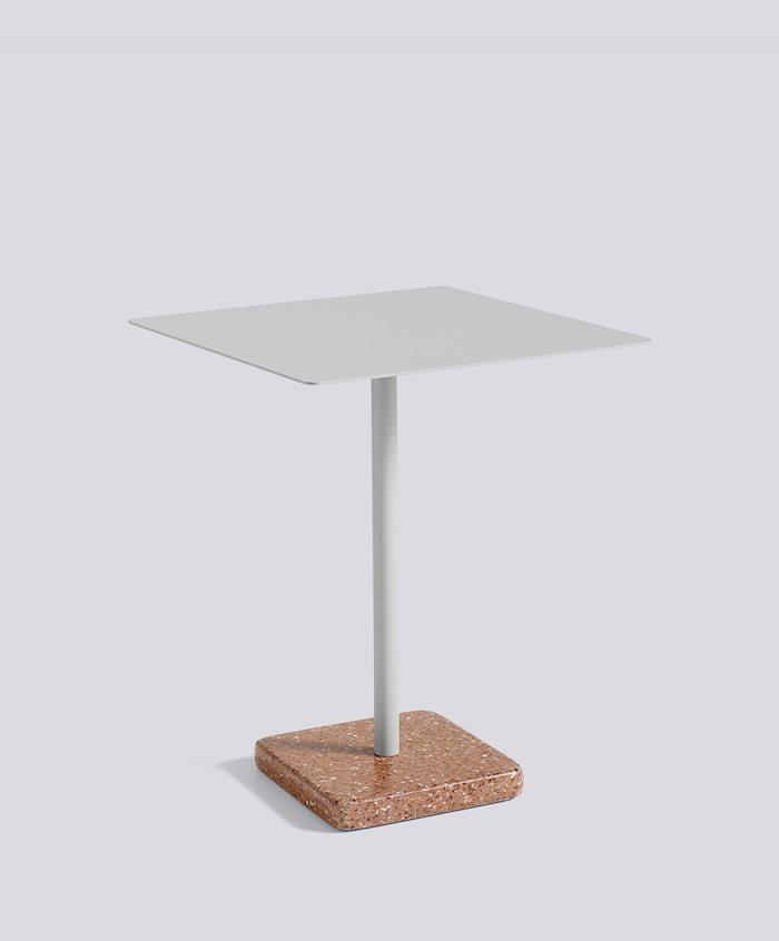 1952511009000zzzzzzz_terrazzo-table-square-red-base-light-grey-top_910x1100_brandvariant.jpg
