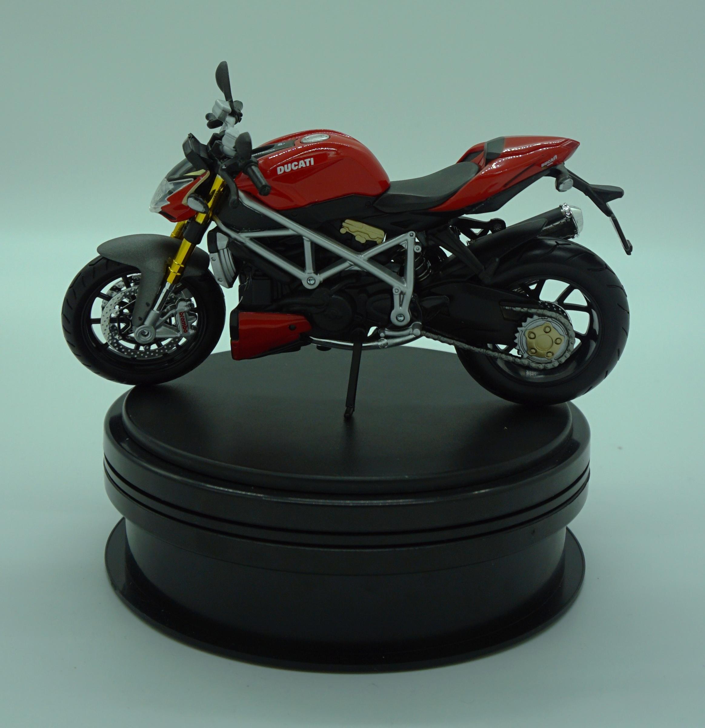 Ducati Mod Streetfighter.JPG