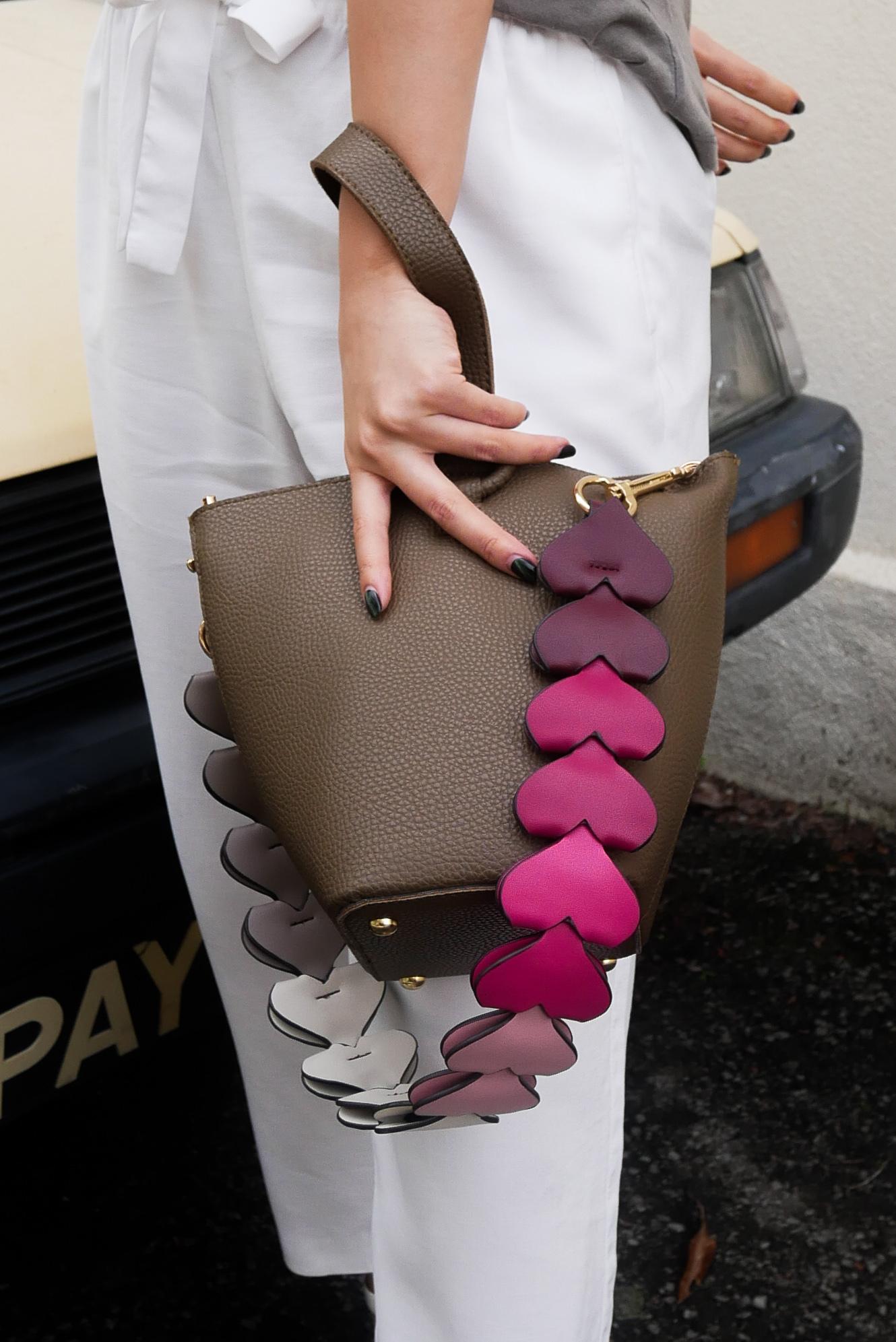 clubinana-hearty-bag-strap-0.jpg