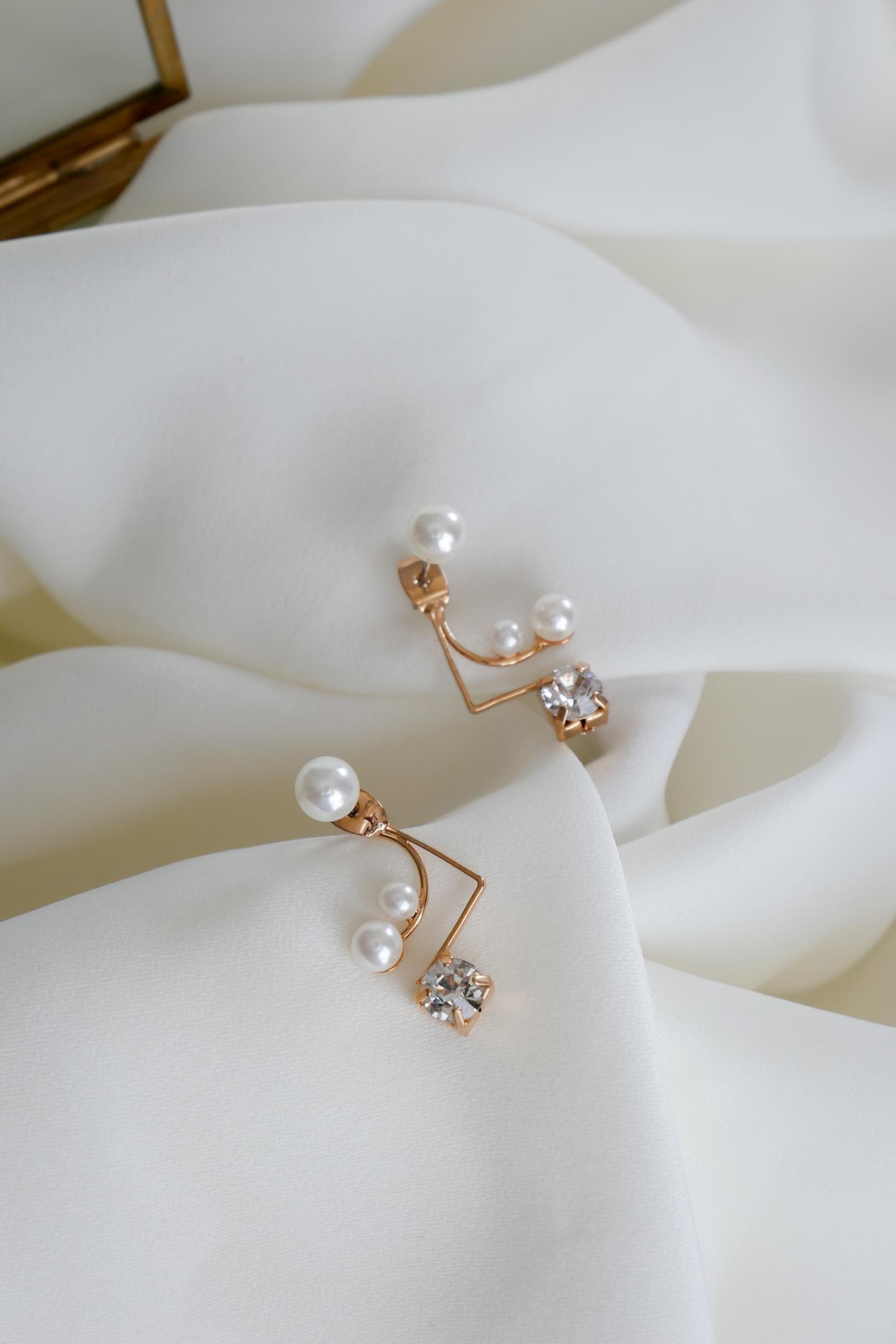 abby-earrings-gold.jpg