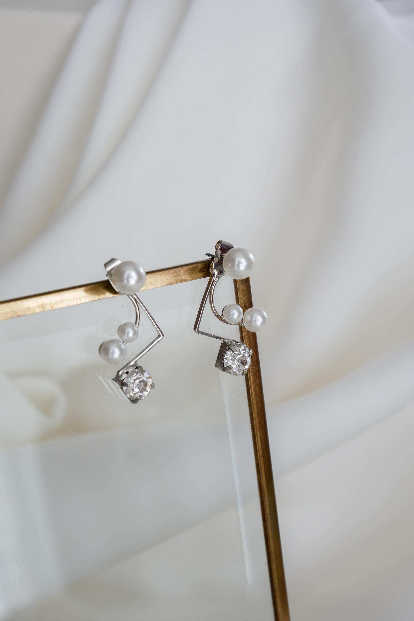 abby-earrings-silver.jpg