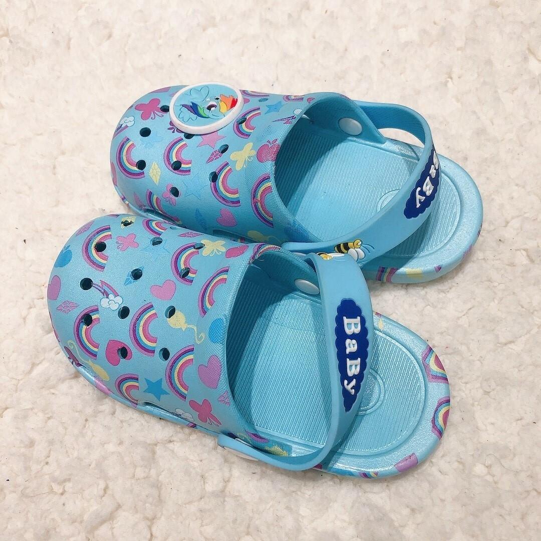 拖鞋_210818_0.jpg