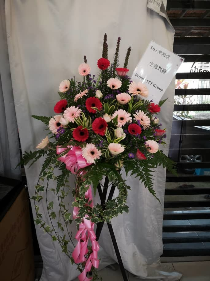 grand-opening-flower-stand-2.jpeg