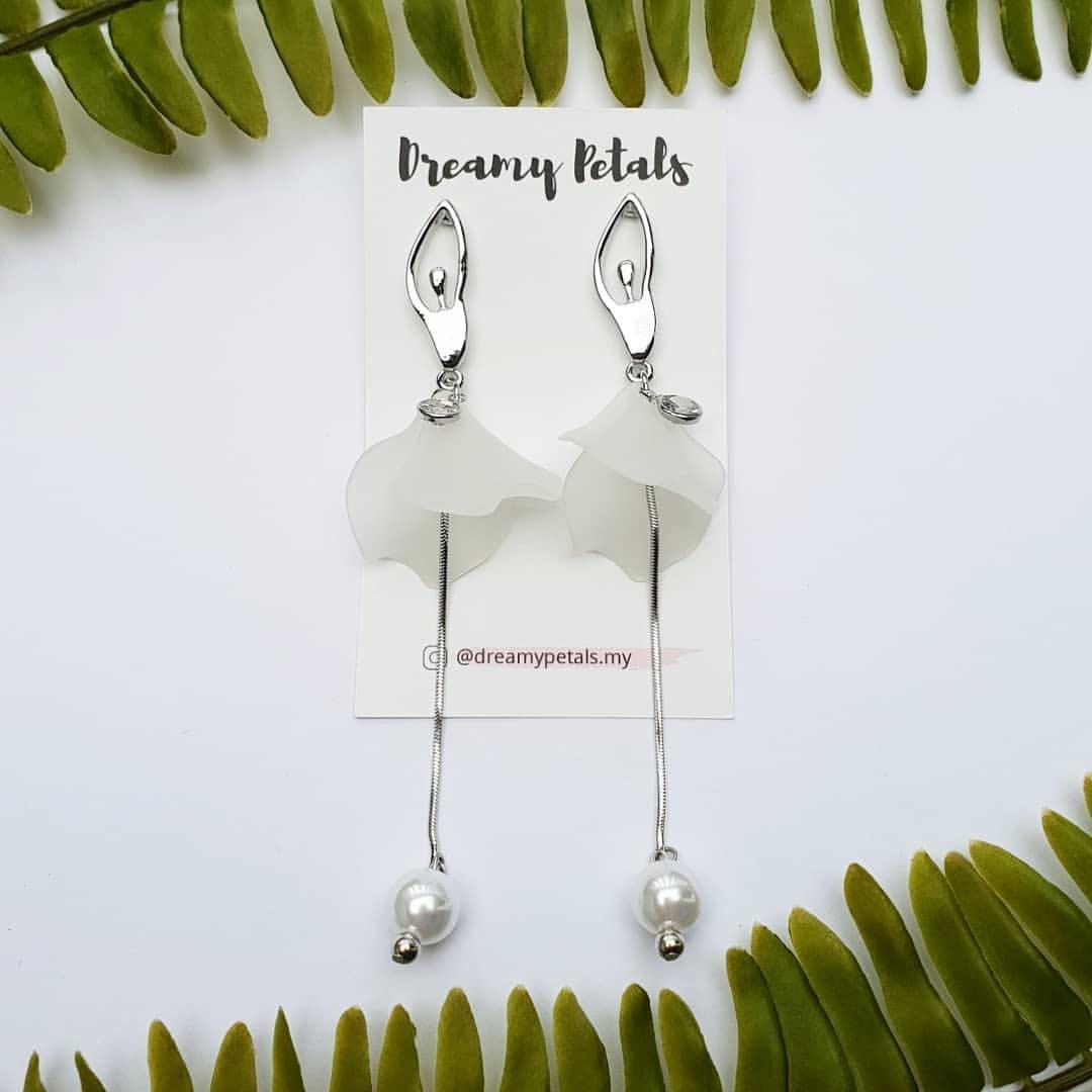 Forever Floral Earrings_49844036_277583852926551_6671536508773391571_n.jpg