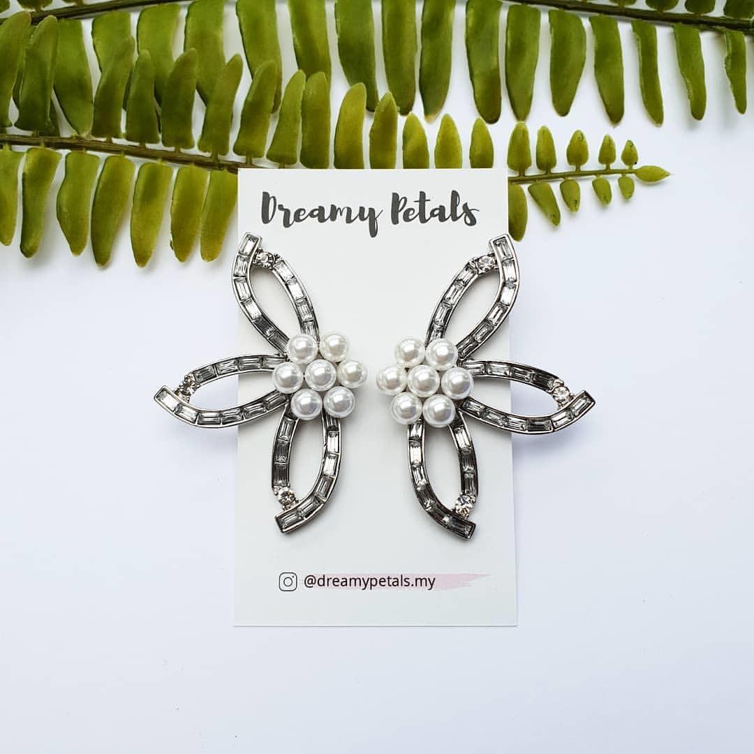 Forever Floral Earrings_51144494_2010886445697317_9011830743987744195_n.jpg