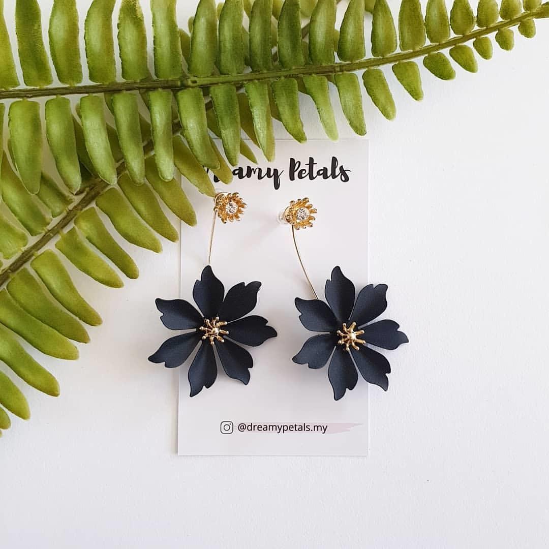 Forever Floral Earrings_67398130_391783154707425_1101577314830345829_n.jpg