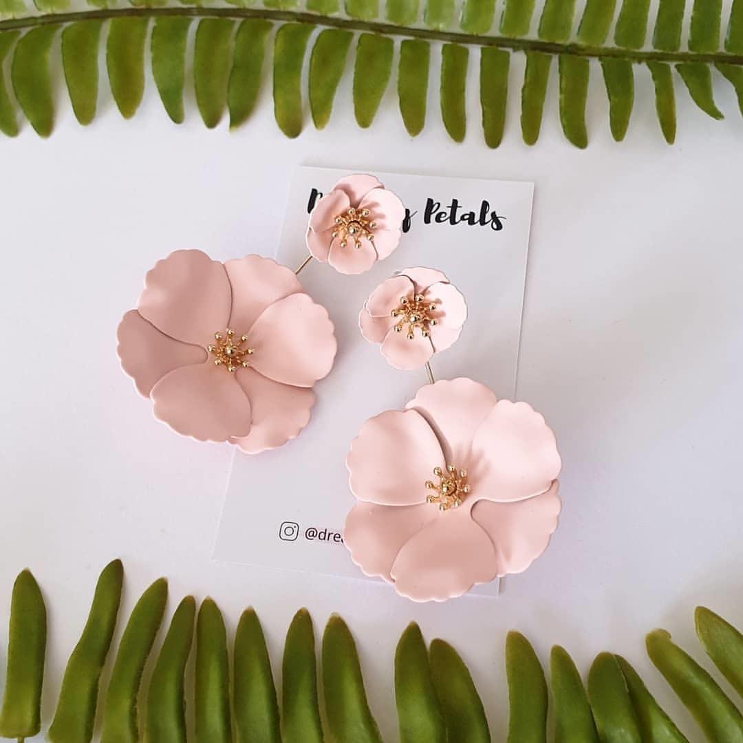 Forever Floral Earrings_55935299_108887120157749_597886054298114327_n.jpg