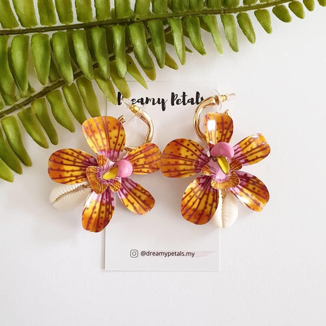 Forever Floral Earrings_66646209_382348539146430_248066041006542293_n.jpg