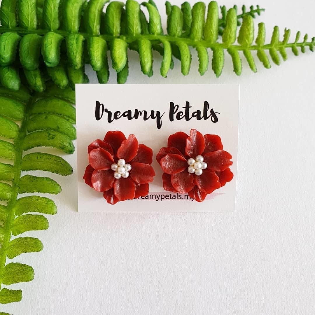 Forever Floral Earrings_79200892_2742383792504782_209713805016794255_n.jpg