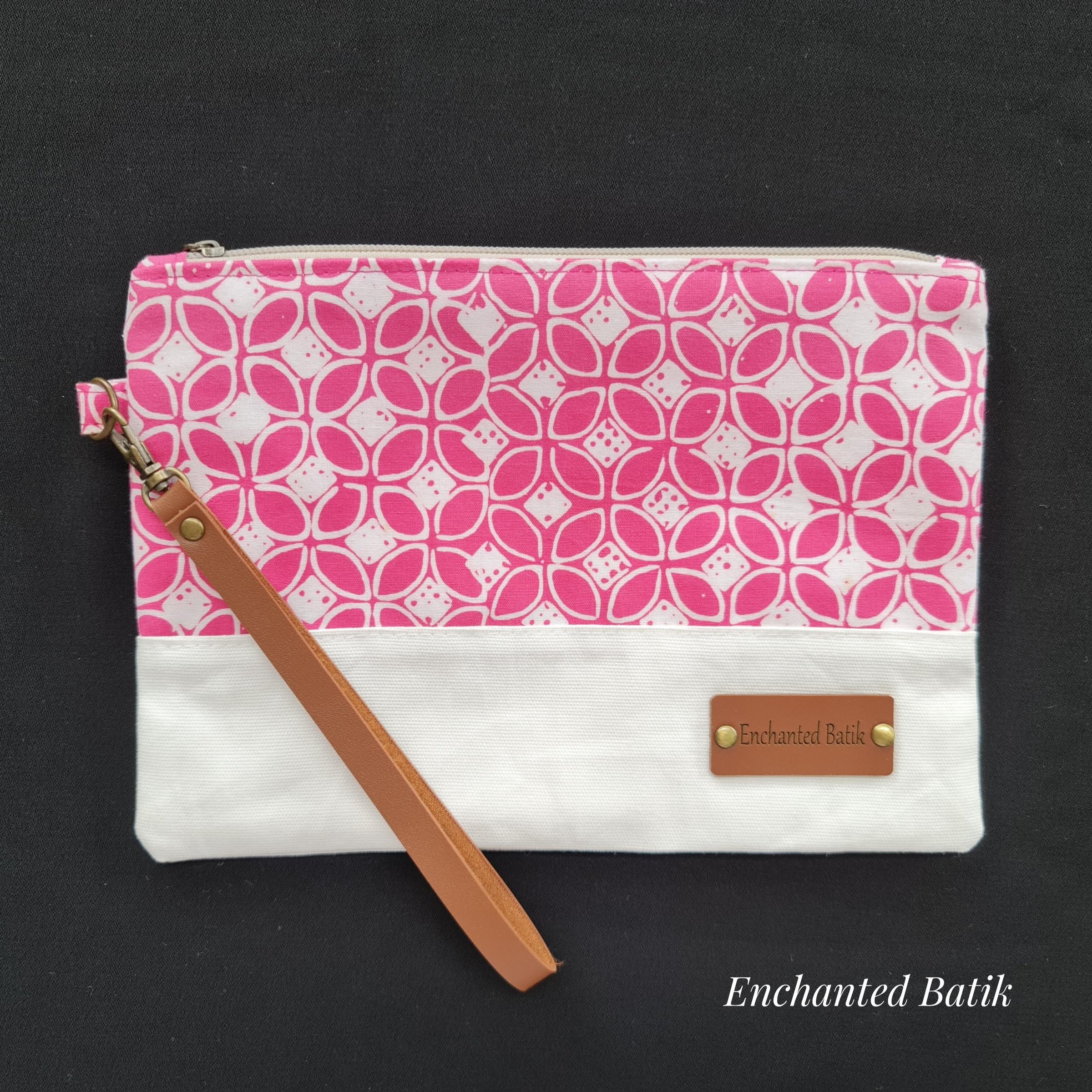 Batik wristlet pink