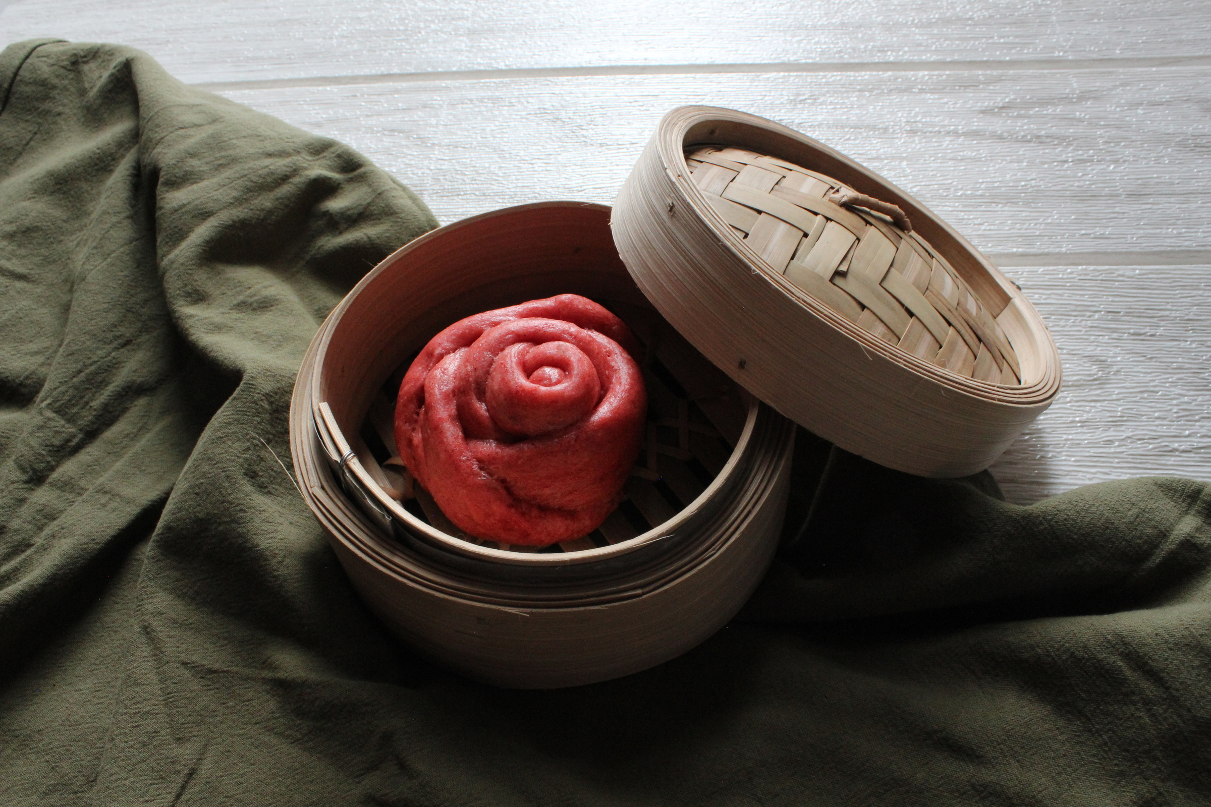 Yooky Bites-Red Rose Steam Bun (Frozen) (4 pcs  / pkt) *(Outstation N/A; 外州送不到)