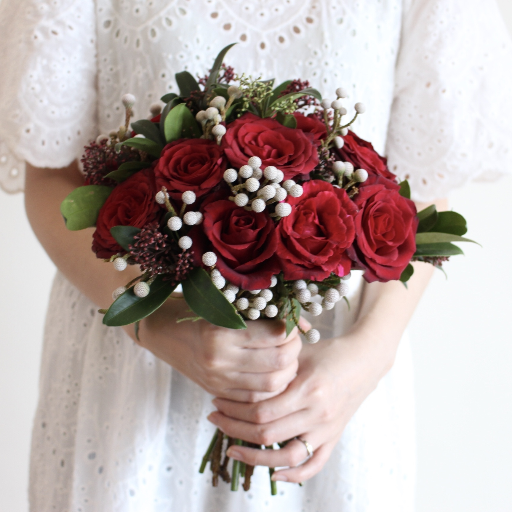 bridal_round_red_1.jpg