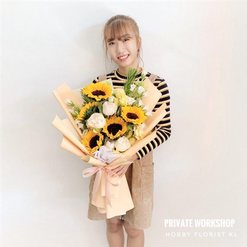 flower delivery kl 29.jpg