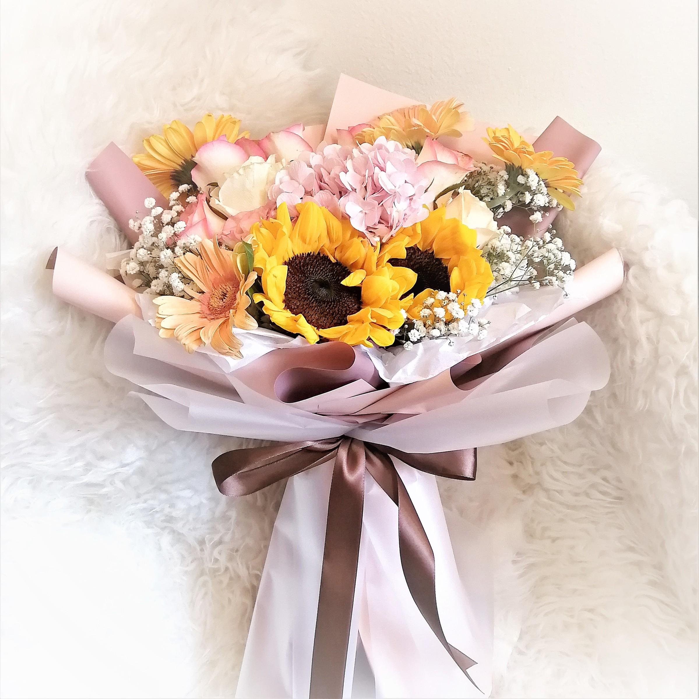 flower delivery kl 15.jpeg