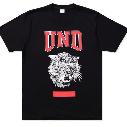 apparel_tshirts_undefeated_gym-class-s-s-tee_80124.view_1.color_black_512x512_crop_center.jpg