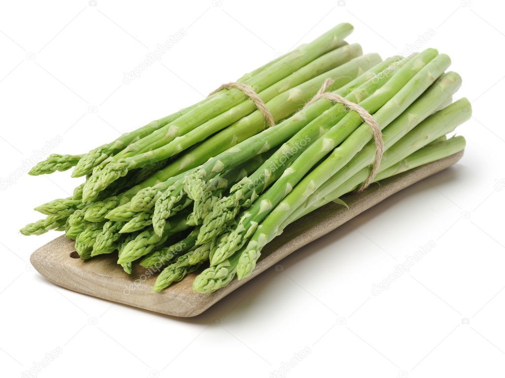 depositphotos_121152780-stock-photo-two-bunches-asparagus-small-chopping
