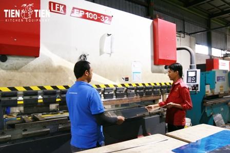 Tien-Tien-Staff6.jpg