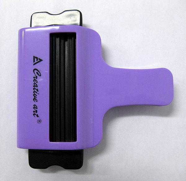 creative-art-tube-squeezer-haircare2u-1203-17-haircare2u@2.jpg