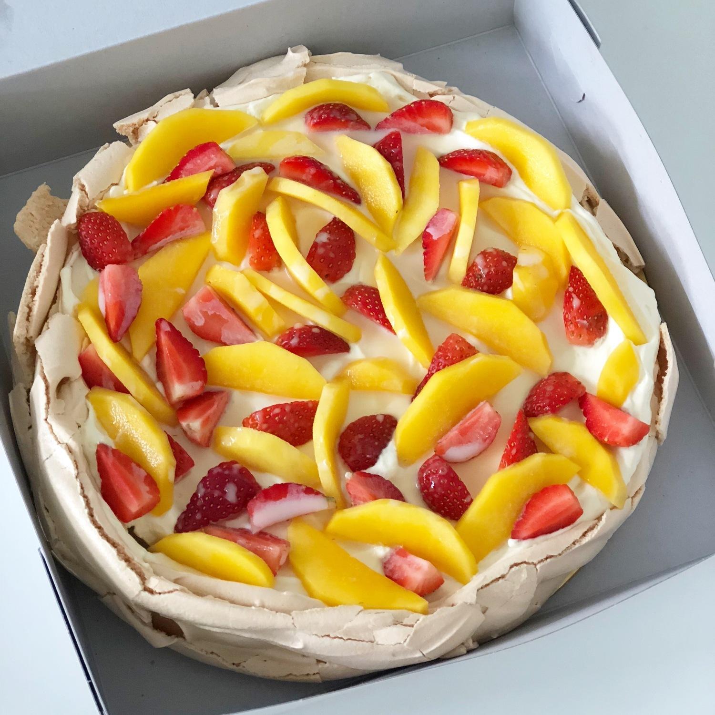 5. Mango Pavlova.jpg