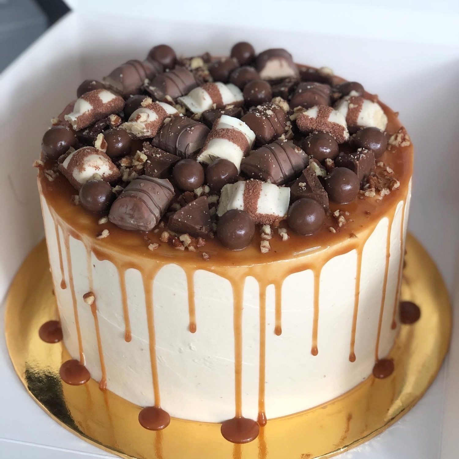 Butterscotch Cake with Toppings.jpg