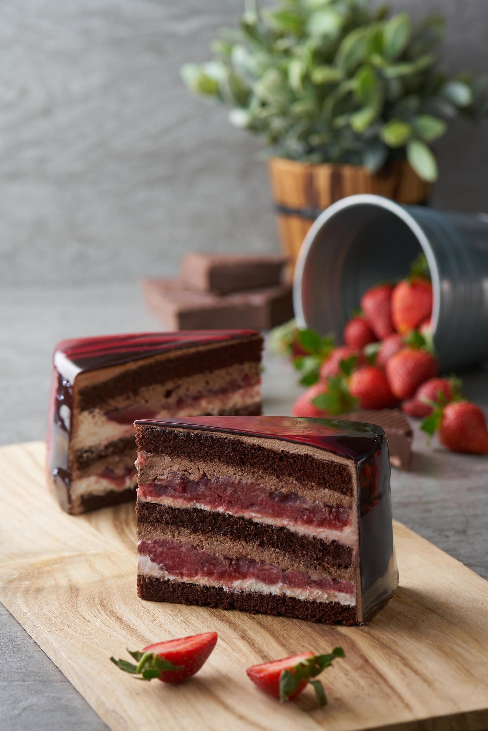 Chocolate Strawberry (side) 2018.jpg