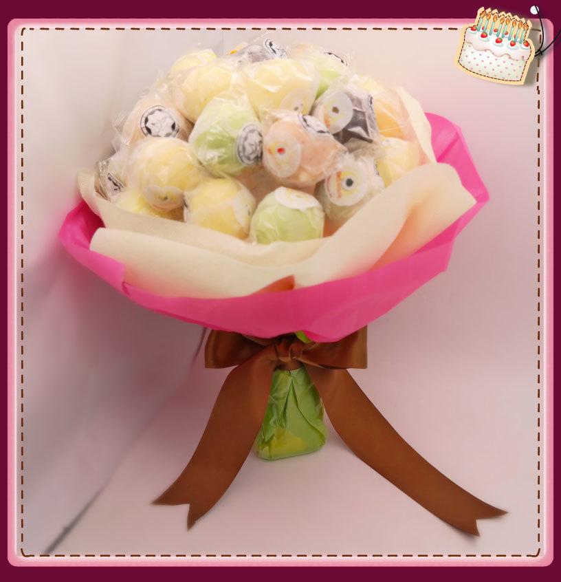Ice-Cream-Lollipop-Hand-Bouquet.jpg
