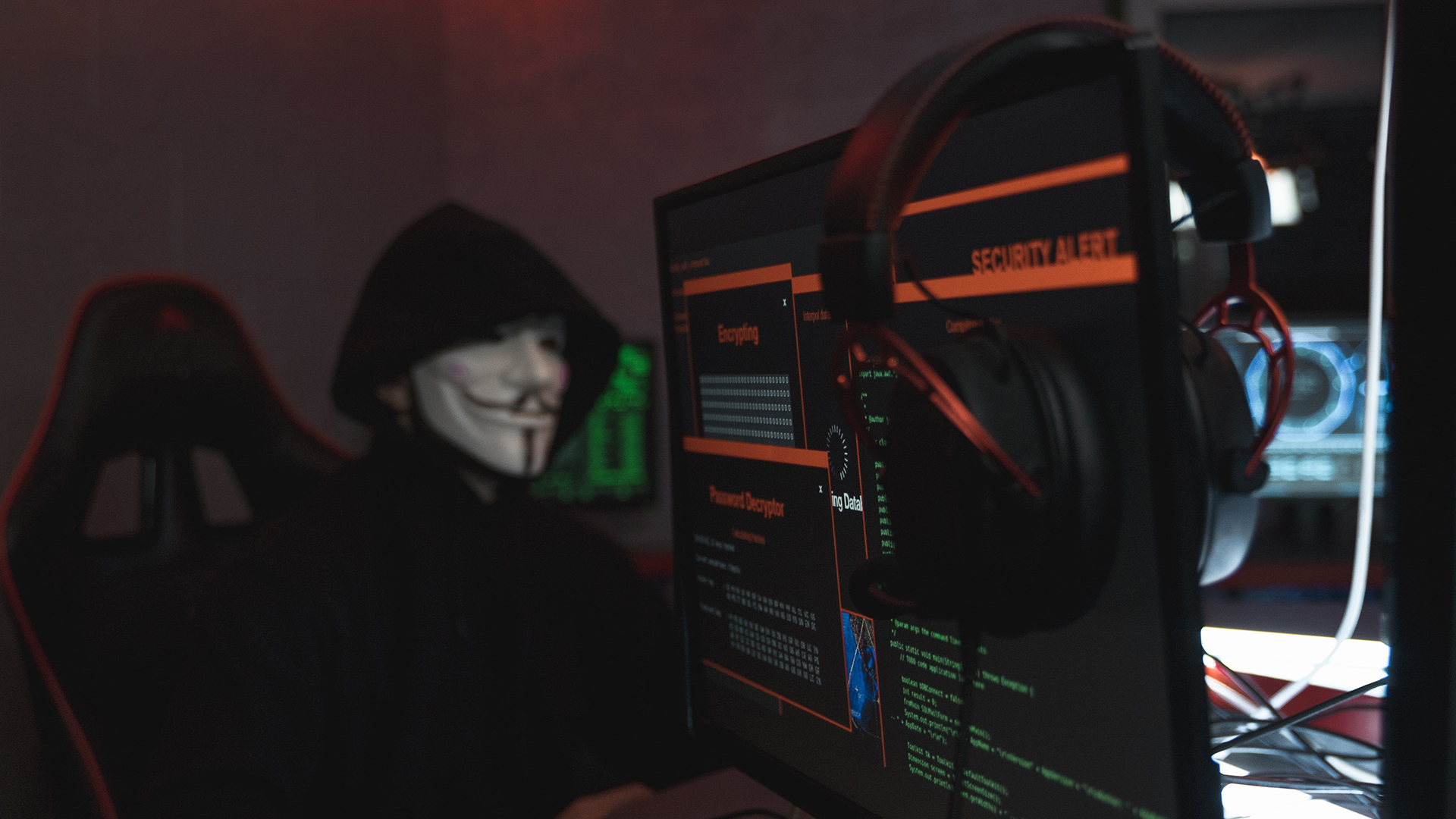 Cybercriminals cashing in on travelers' itch: report