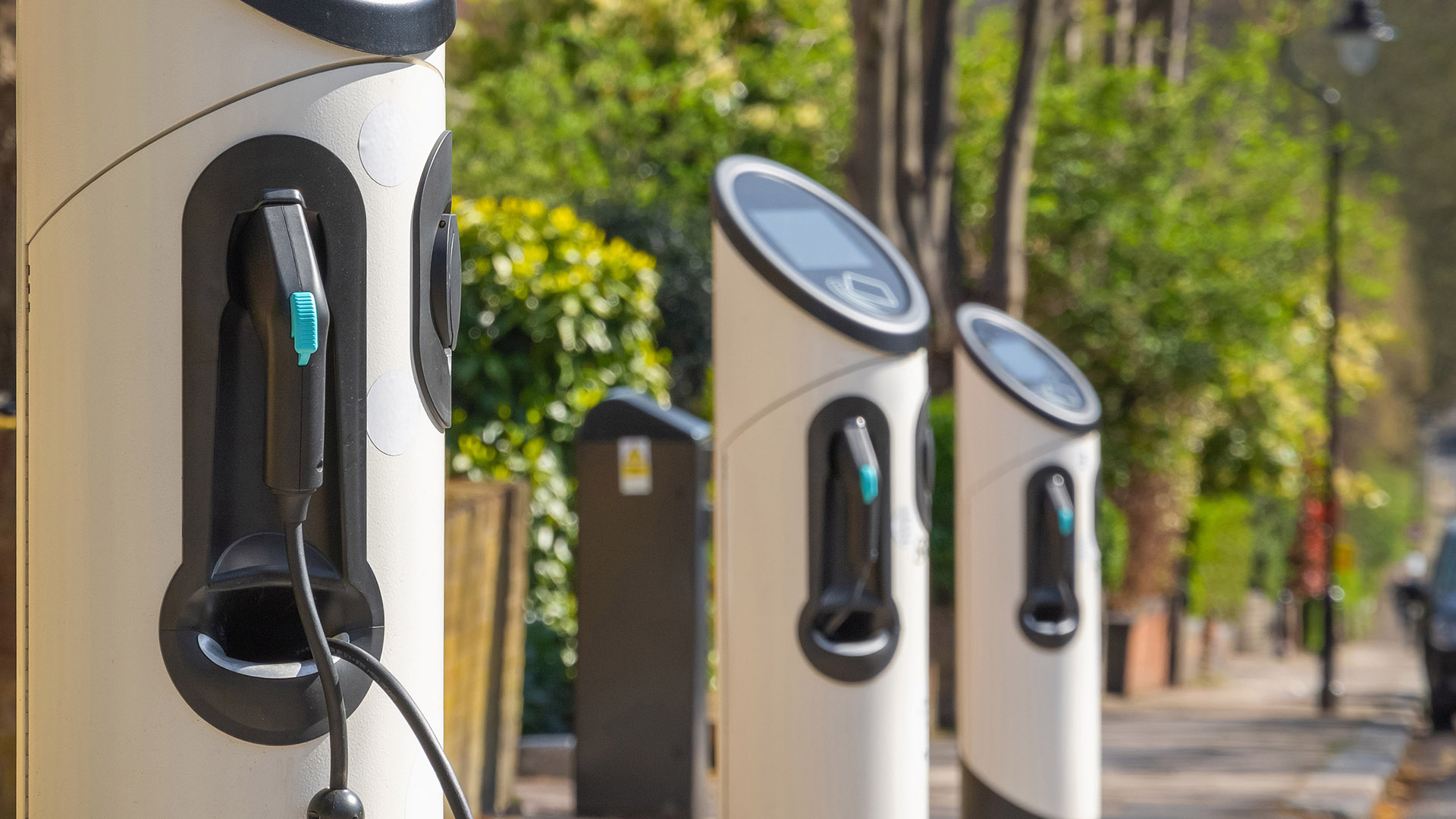 Japan embarks on first pilot for EV charging on public roads