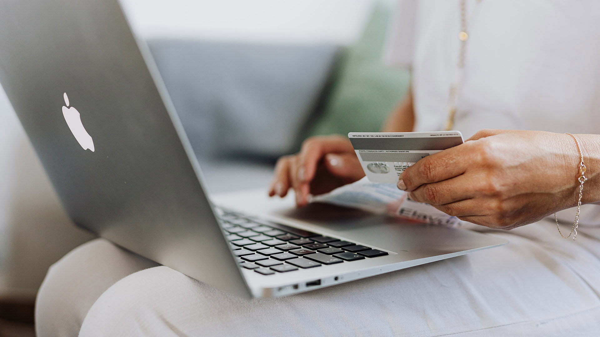 SEA e-commerce business confidence index hovers at 64/100