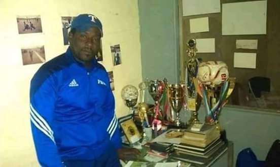 Sélectionneur Panthères dames du Gabon