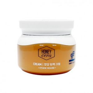 Best skincare cream for dry and aging skin