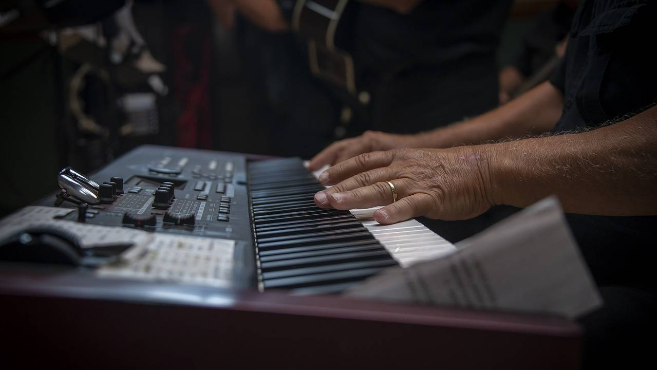 8 Best Keyboard Pianos in The Philippines 2019 - Top Brand