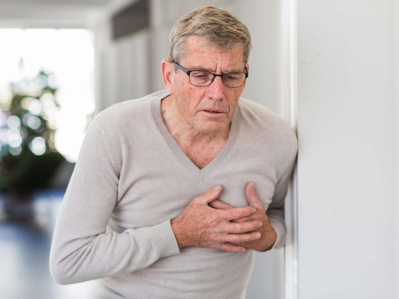Các vấn đề sức khỏe của người cao tuổi.