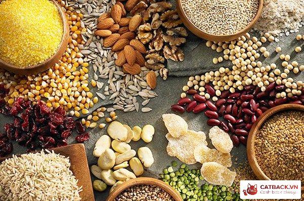 Các loại tinh bột như yến mạch, hạt và đậu rất tốt cho cơ thể trong quá trình giảm cân