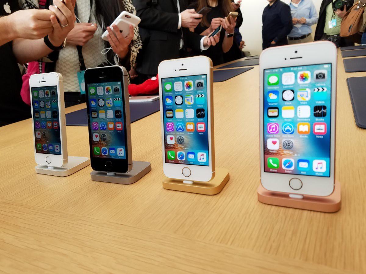 Điện thoại thông minh là thiết bị không thể thiếu