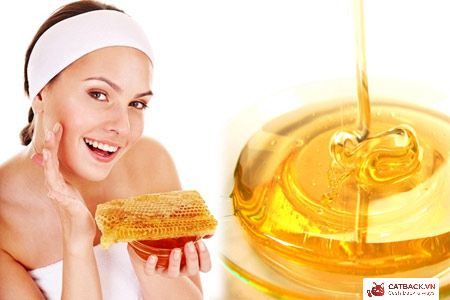 Mật ong giúp kháng viêm giảm mụn và khiến da hồng hào rạng rỡ