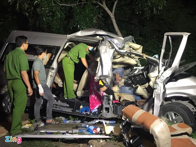 Cảnh sát đang kiểm tra hiện trường vụ tai nạn. Ảnh: M.H.