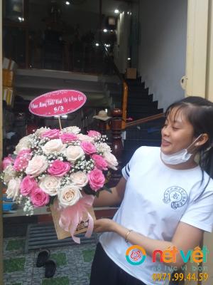 Mẹ là những cánh hoa
