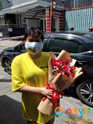 Bó hoa hồng đỏ dài