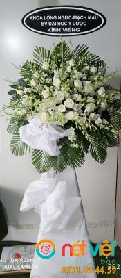 Hoa Kính viếng