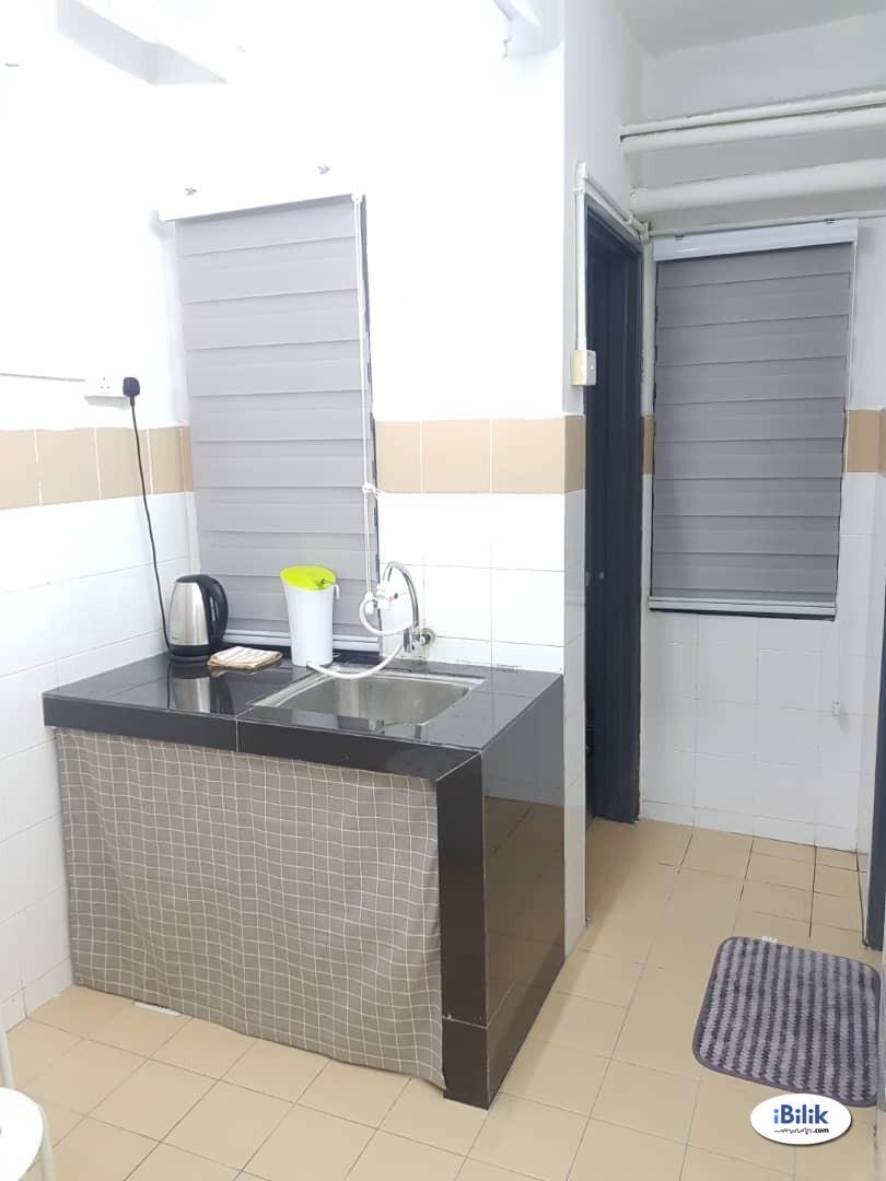[Male] Budget Luxury Middle Room at Sri Rakyat Apartment @ Bukit Jalil, Kuala Lumpur