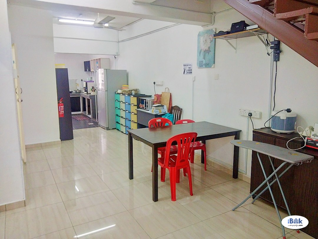 PJS 7/2 : 5 mins to Sunway Pyramid | Fully Furnished Single Room with Air-Conditioner + External Windows