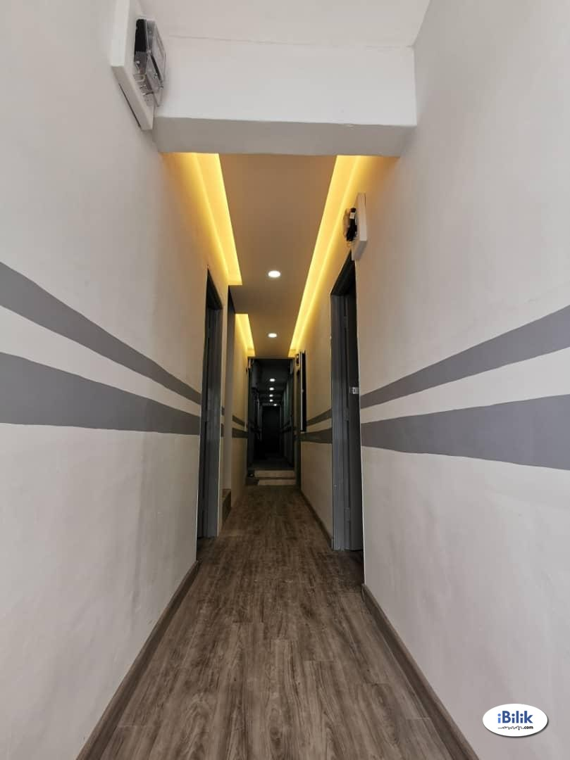 Master Room at Taman Pelangi, Johor Bahru