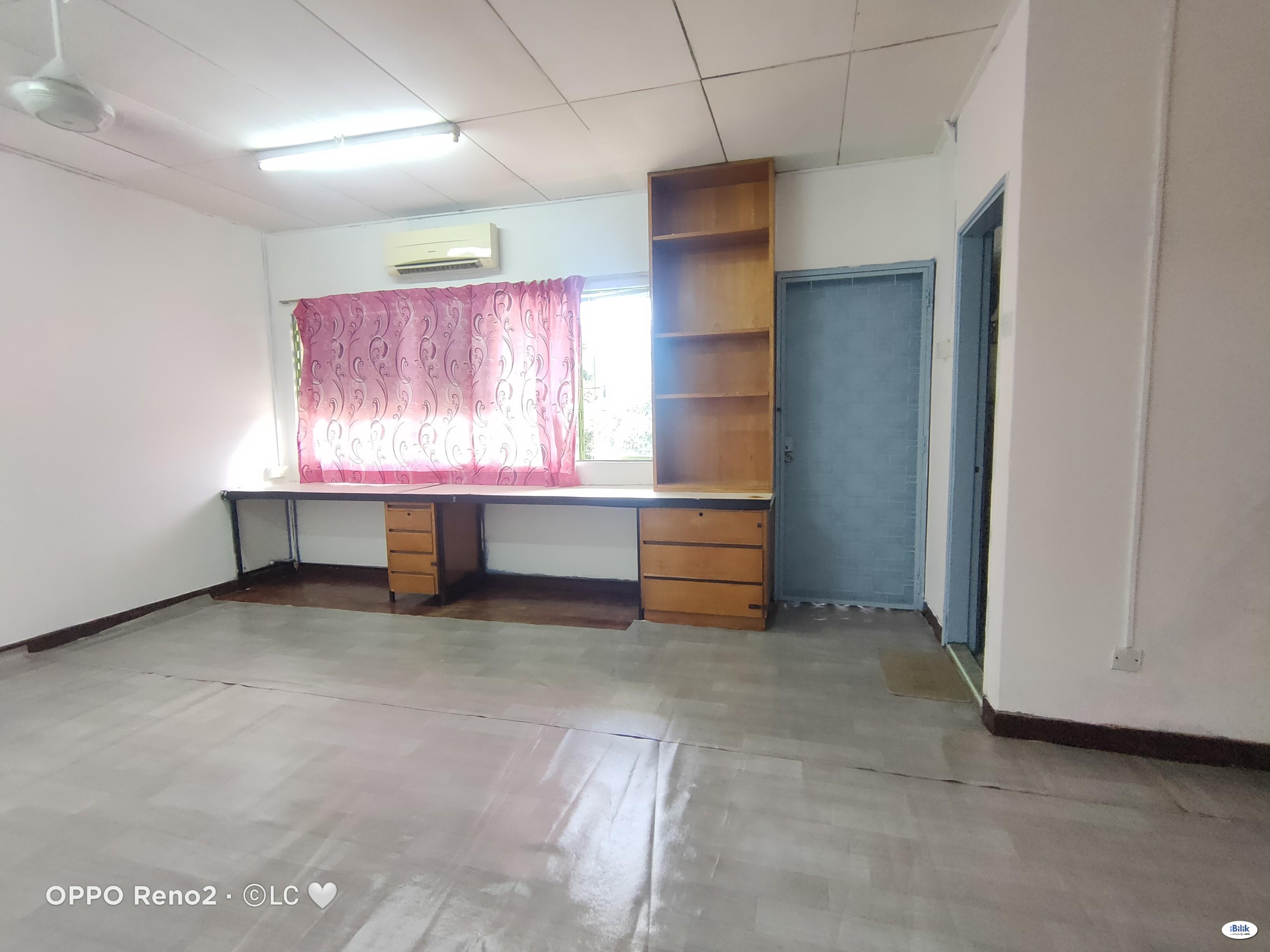 💕 Zero Deposit 💕 Master Room nearby Atria Mall @ Damansara Jaya 👌👌👌