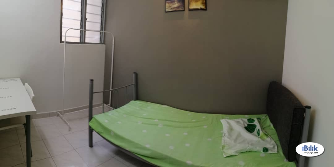 Queen Size Bed Room at Kota Laksamana Utama, Bandar Melaka FEMALE only near Stamford College, Melaka Raya, Atlantis, Mahkota Parade, Tengkera